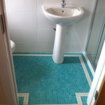 aquamarine-floor-bathroom