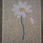 artistic-daisy-with-loose-petal