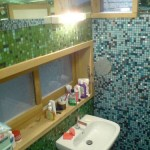 bathroom-blue-green